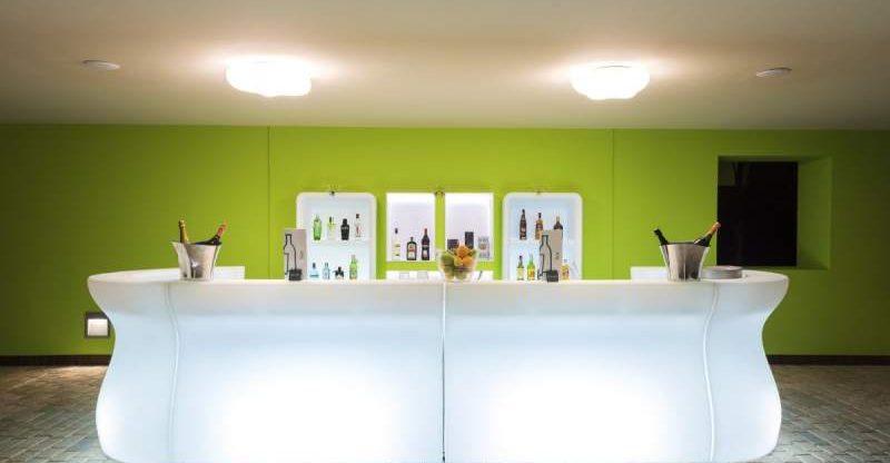 noleggio bancone bar luminoso roma
